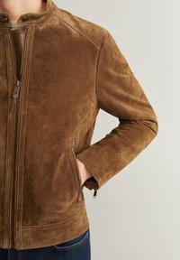 Mango - PALERMO - Veste en cuir - cognac - 4