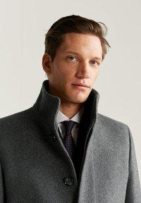 Mango - FUNNEL - Short coat - mottled medium grey - 3