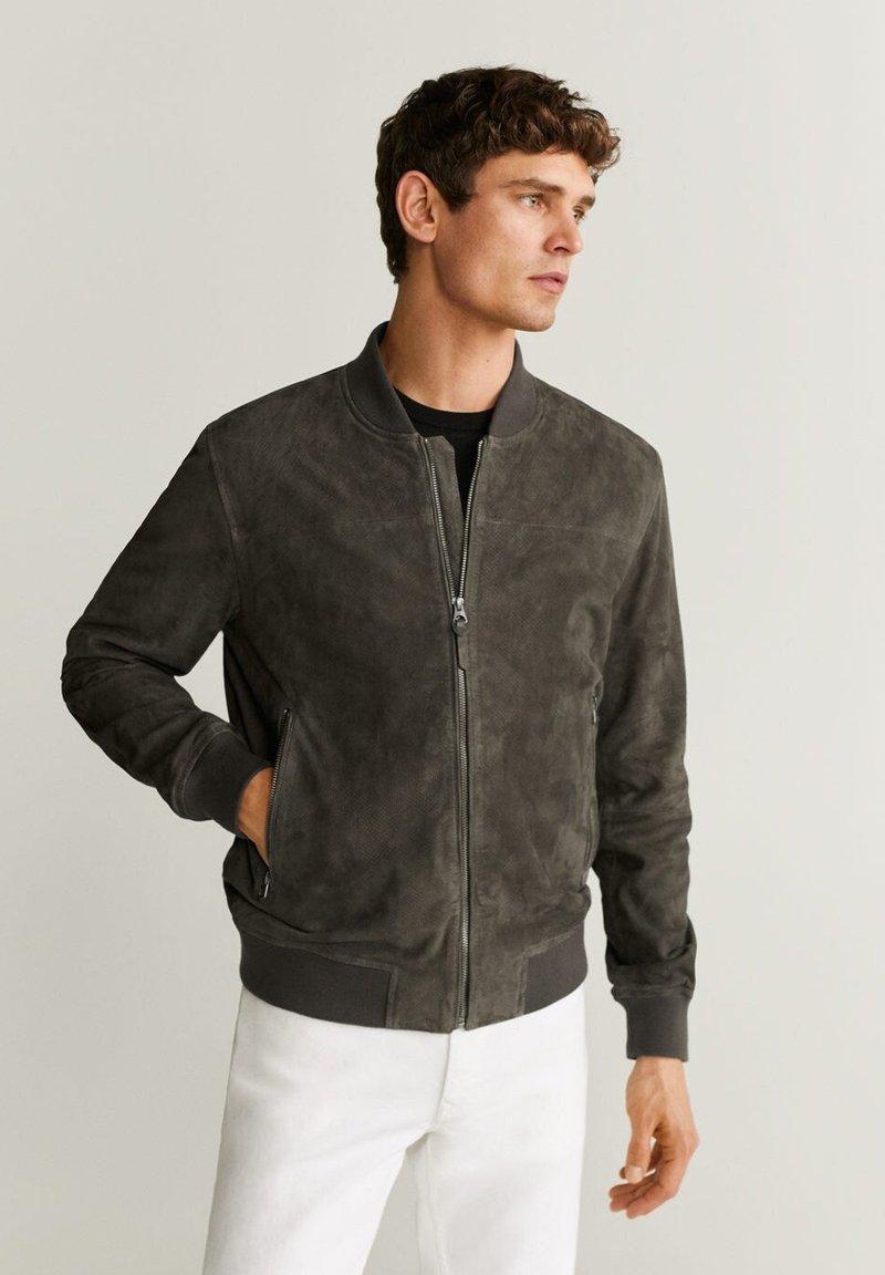 Mango - CAPE - Veste en cuir - dark gray mottled
