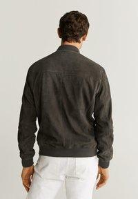 Mango - CAPE - Veste en cuir - dark gray mottled - 2