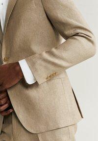 Mango - FLORIDA - Veste de costume - beige - 5