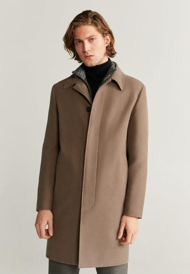 BERTIE - Classic coat - mittelbraun