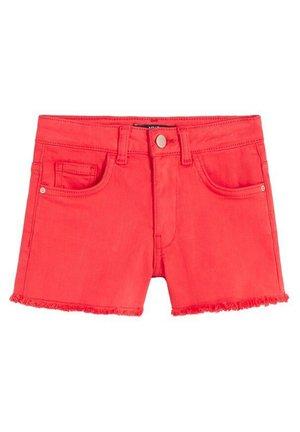 PATRIC - Denim shorts - rot