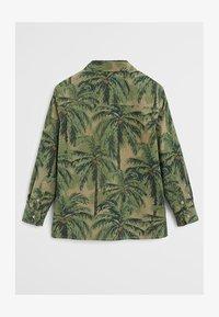 Mango - BAUMWOLLHEMD MIT HAWAII-PRINT - Koszula - khaki - 1