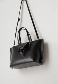 Mango - PAULOVA - Shopping Bag - black - 2