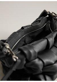 Mango - NOYA - Handbag - schwarz - 3