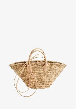 MIT DOPPELTEM HENKEL - Handbag - nude