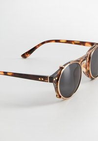 Mango - CLIP - Sonnenbrille - kognac - 3