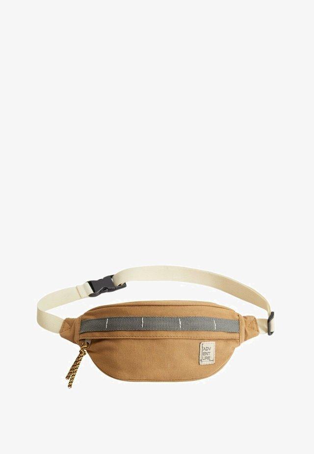 Bæltetasker - mellembrun