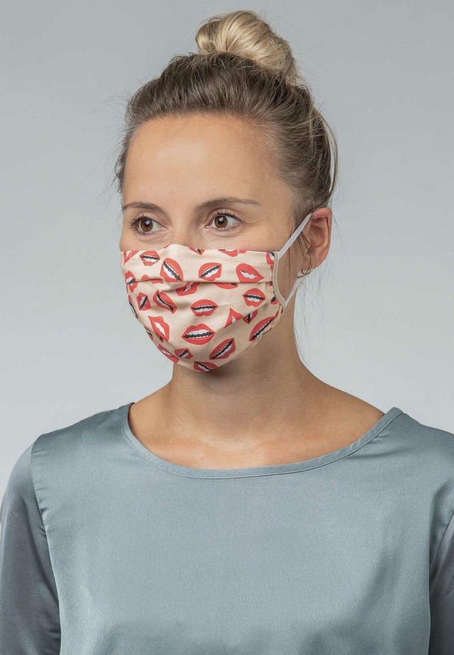 Community mask - make up