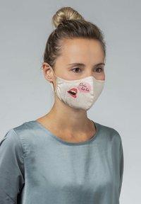 Mey - Community mask - make up - 3