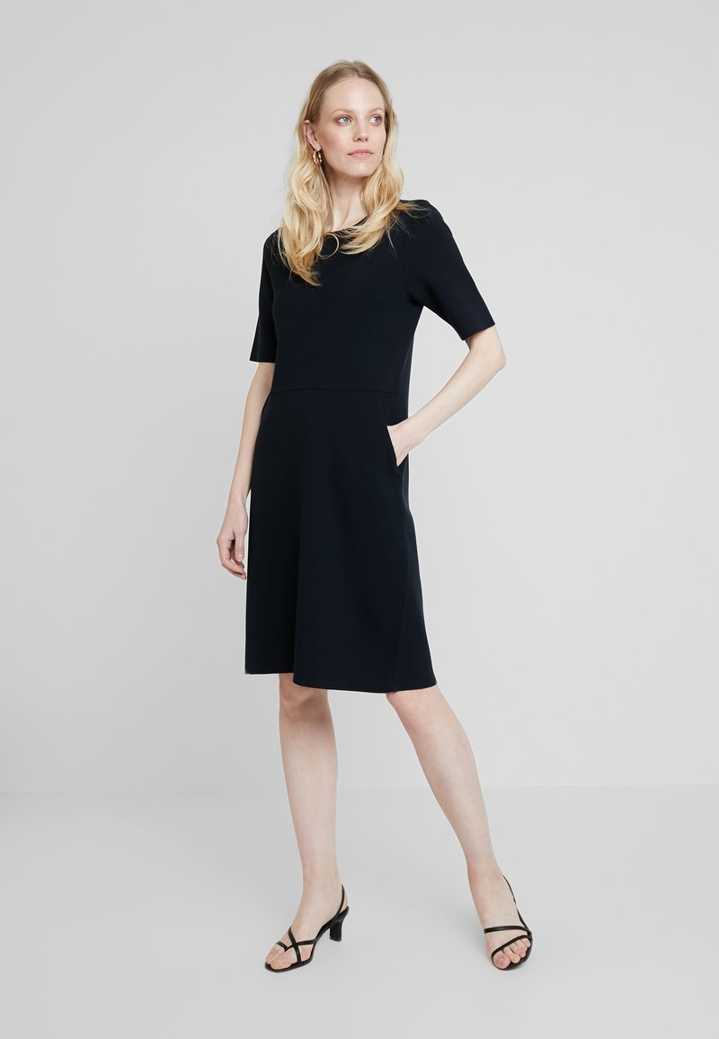 MAERZ Muenchen - Jumper dress - navy