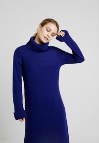 MAERZ Muenchen - Jumper dress - electric blue - 3
