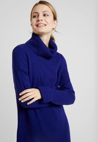 MAERZ Muenchen - Jumper dress - electric blue - 5
