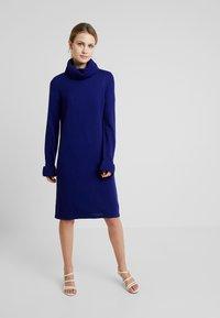MAERZ Muenchen - Jumper dress - electric blue - 0