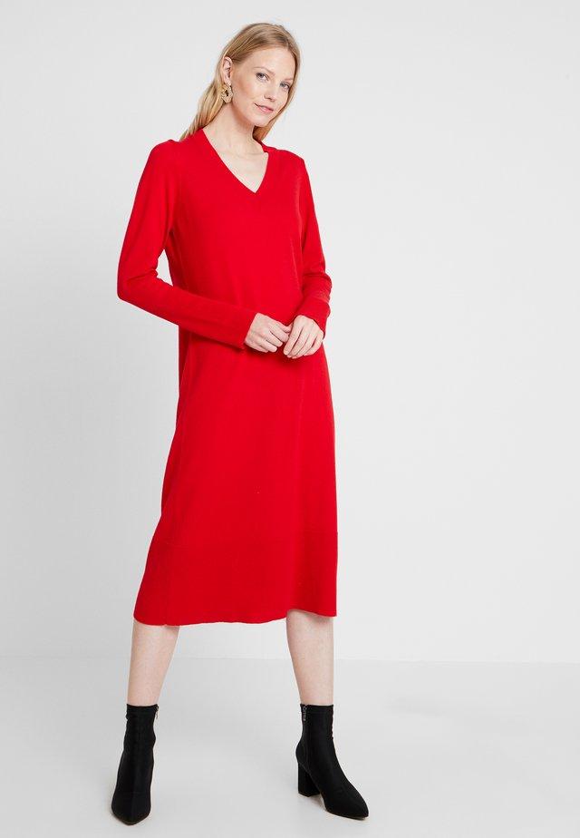 Sukienka dzianinowa - just red