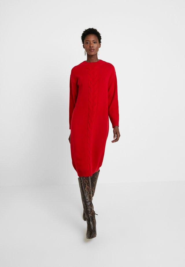 Pletené šaty - just red