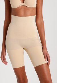 Maidenform - CONTROL IT - Lingerie sculptante - body beige - 0