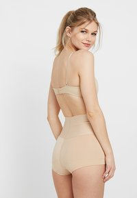 Maidenform - SHAPING BOYSHORT TAME YOUR TUMMY - Shapewear - nude - 2