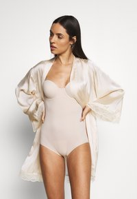 Maidenform - FIRM FOUNDATIONS LOW BACK COOL COMFORT ANTI STATIC - Body - nude - 1