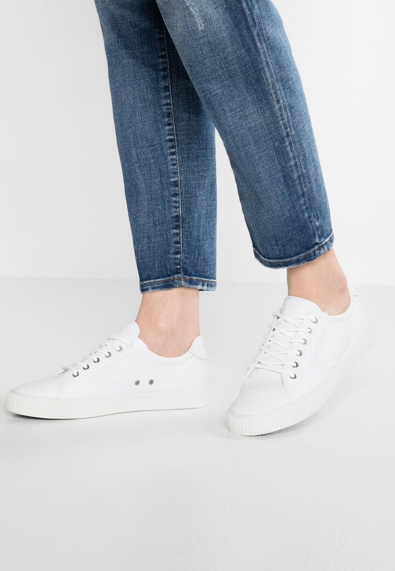 Marc O'Polo - Sneaker low - white