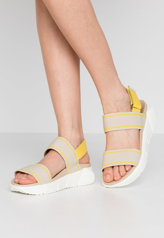 SPORTY  - Plateausandaler - yellow