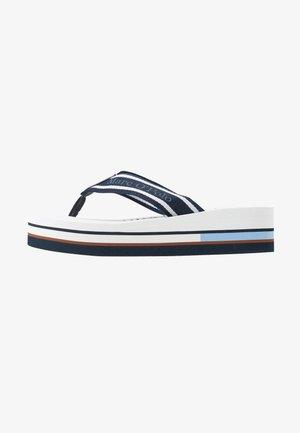 DORA  - Sandály s odděleným palcem - blue