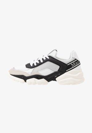 JULIA - Sneaker low - black