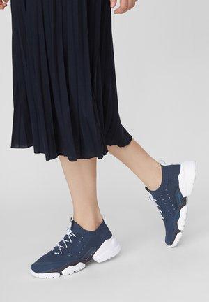 BASKETS EN TRICOT - Sneaker low - blue