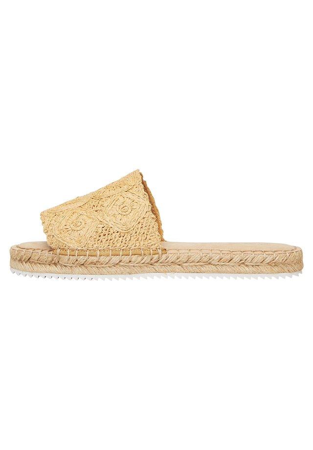 MULES ESPADRILLES - Pantolette flach - beige