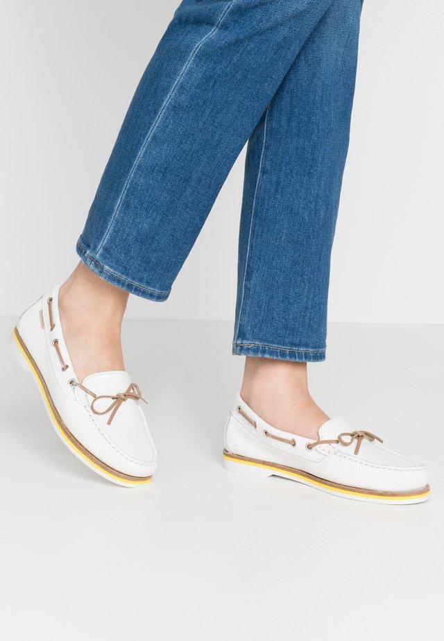NADINE  - Chaussures bateau - white