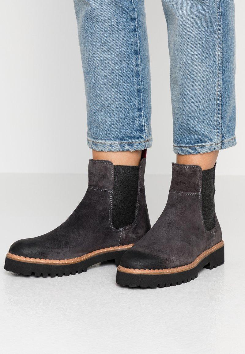 Marc O'Polo - Kotníkové boty na platformě - grey