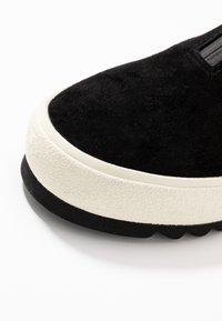 Marc O'Polo - Kotníková obuv - black - 2