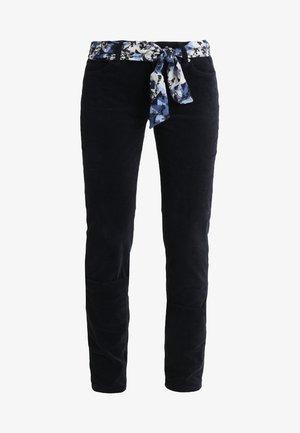 5 POCKET REGULAR WAIST SLIM LEG - Pantalones - night tide