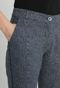 Marc O'Polo - PANTS FLAP DETAIL - Kalhoty - grey - 3