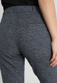 Marc O'Polo - PANTS FLAP DETAIL - Kalhoty - grey - 5