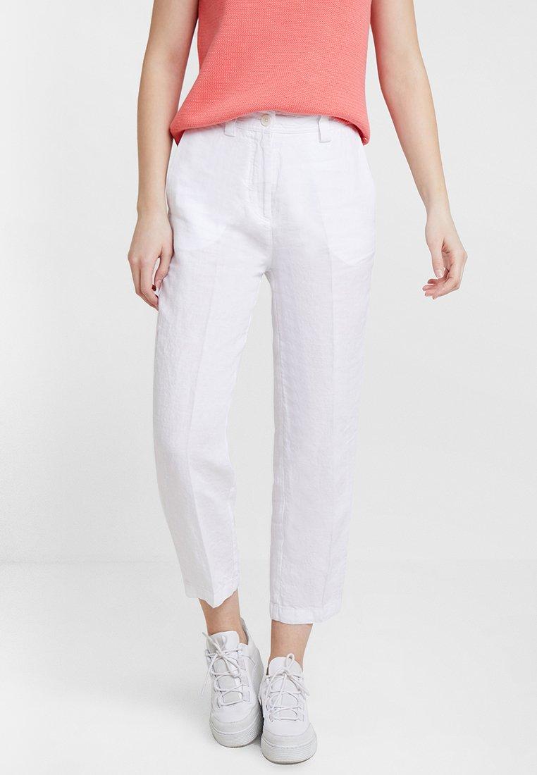 Marc O'Polo - PANTS WASHED CROPPED - Pantalones - white