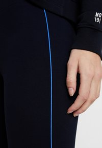 Marc O'Polo - CONTRAST PIPING - Leggings - midnight blue - 4