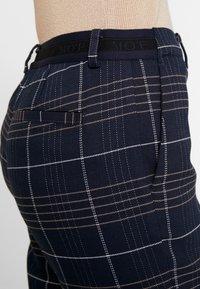 Marc O'Polo - PANTS TAILORED MEDIUM - Pantalon classique - combo - 5