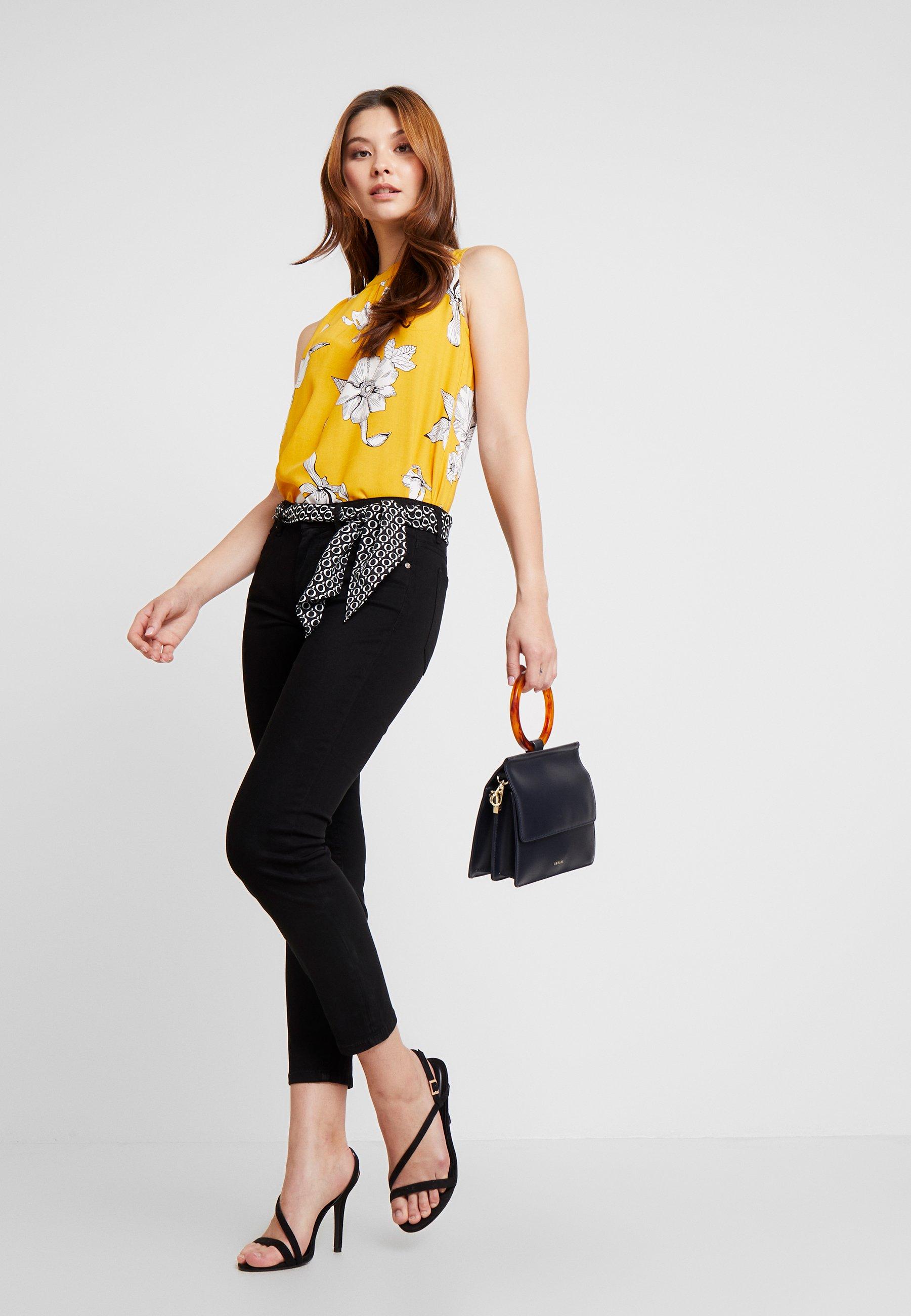 Marc O'Polo MID WAIST - Spodnie materiałowe - black