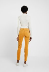 Marc O'Polo - Slim fit jeans - roasted pumpkin - 2