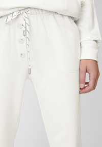 Marc O'Polo - X-MAS COLLECTION - Trainingsbroek - white - 4