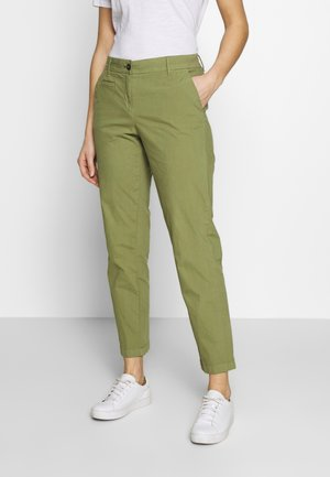 PANTS FIT MEDIUM RAISE - Chino kalhoty - seaweed green