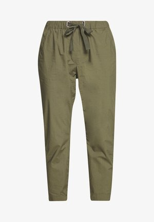PANTS MEDIUM WAIST TAPERED LEG DEEP CROTCH TAPE DETAIL - Stoffhose - soaked moss