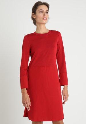 DRESS PATCH - Vapaa-ajan mekko - lipstick red