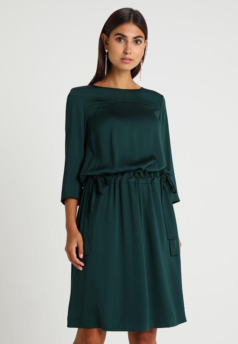 Marc O'Polo - DRESS LOOSE SILHOUETTE GATHERED - Hverdagskjoler - forrest shade