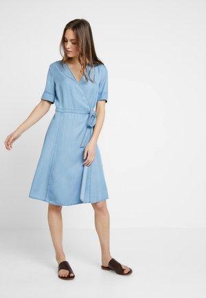 DRESS WRAP STYLE WITH BELT - Denim dress - tencel denim