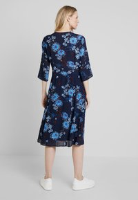 Marc O'Polo - DRESS WRAP STYLESLEEVE - Vardagsklänning - mottled blue - 2
