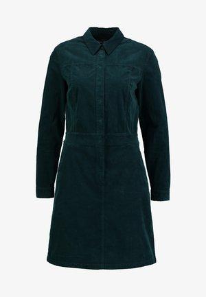 CORDUROY STYLE - Košilové šaty - dusky emerald