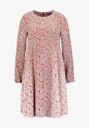 DRESS FEMININE FLARED SHAPE LONG - Denní šaty - red